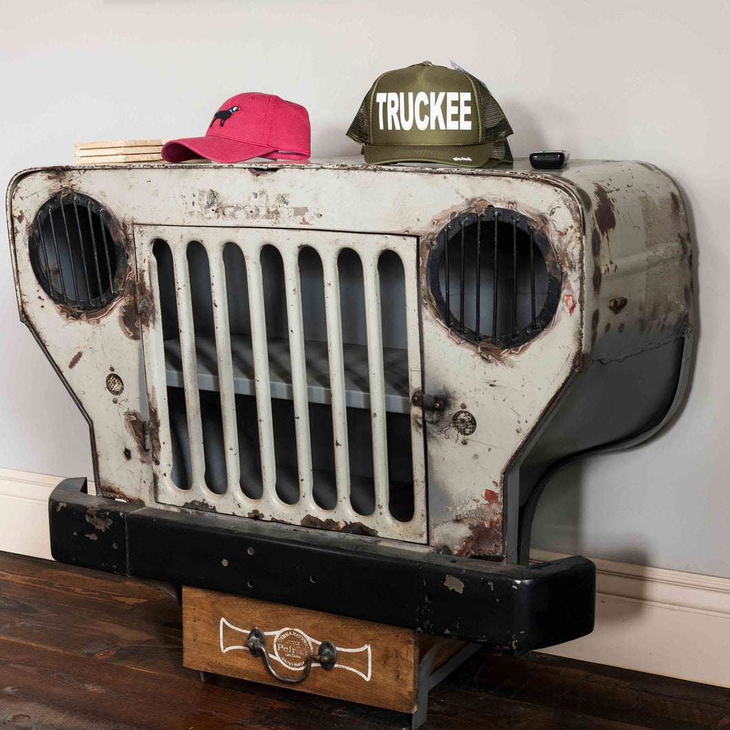 Vintage Addiction Jeep Table