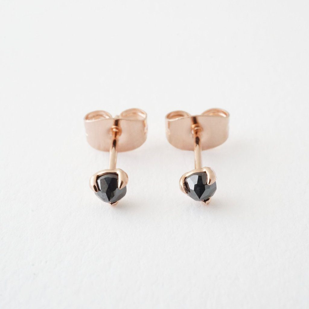 Iron Ore Point Solitaire Studs