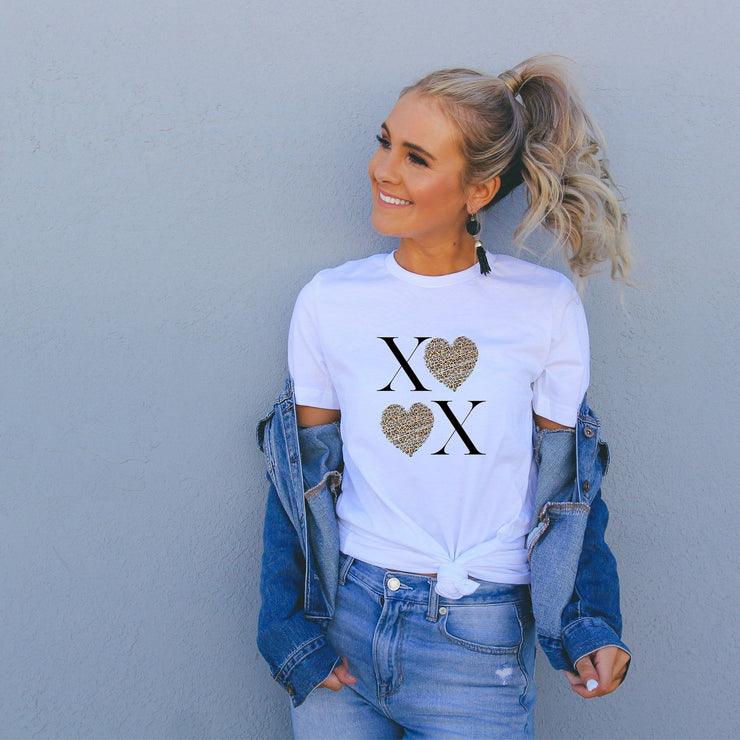 XOXO Cute Trendy Valentines Day t shirt Leopard hearts for ladies