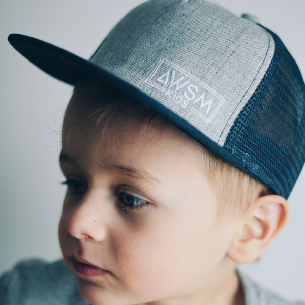 WILD NAVY TRUCKER HAT