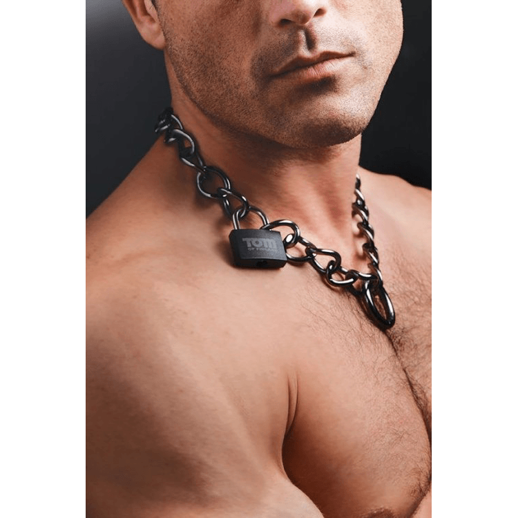Tom of Finland Locking Chain Cuffs by XR Brands - rolik