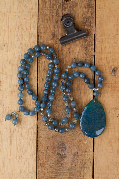 "30"" Long Beaded Blue/Teal Agate Pendant Necklace with Agate & Crystal Beads"