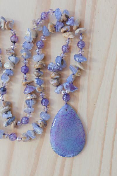 "28"" Long Lavender Dragon Vein Agate Pendant Necklace with Chalcedony & Crystal Beads"