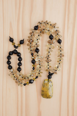 "28"" Long Olivine/Yellow Dragon Vein Agate Pendant Necklace with Tumbled Beads"