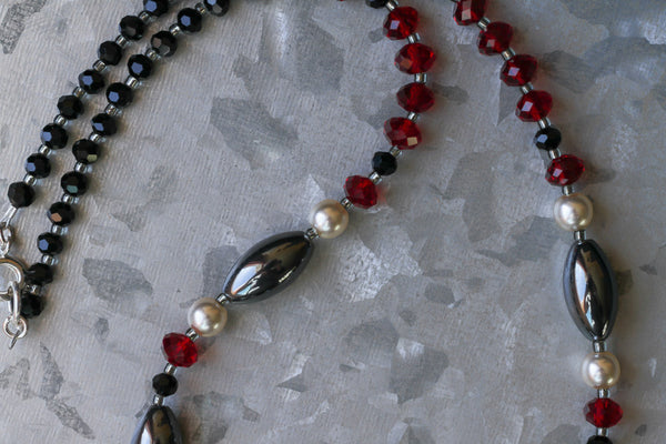 "18.5"" Hemalyke with Black & Red Crystal Beaded Necklace"