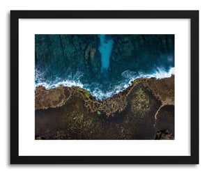 hide - Art print Tonga Reef by artist Wes Lewis in natural wood frame