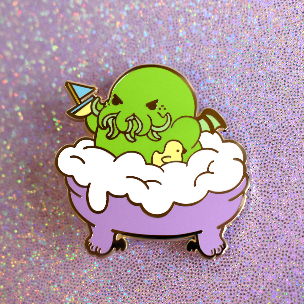 Cthulhu in the Tub Enamel Pin