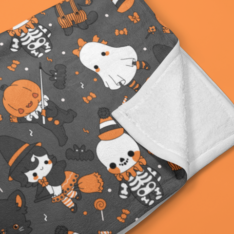 Vintage Halloween Throw Blanket