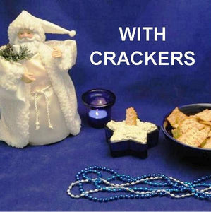 Cold Artichoke Dip with crackers Christmas