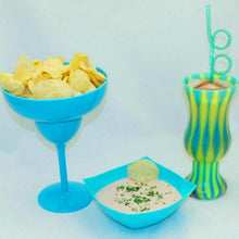 Load image into Gallery viewer, Bombay Mayonnaise and Sour Cream Chip Dip with raspberry lemonade cocktail Summer