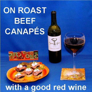 Roast Beef and Garlic Blue Cheese Canapés with red wine Fall
