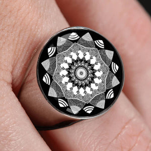 'Insight' Ring by Holly Lindin