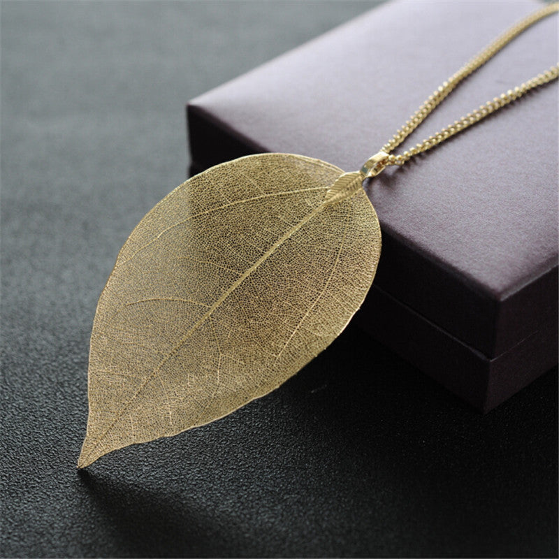 Golden True Leaves Necklace