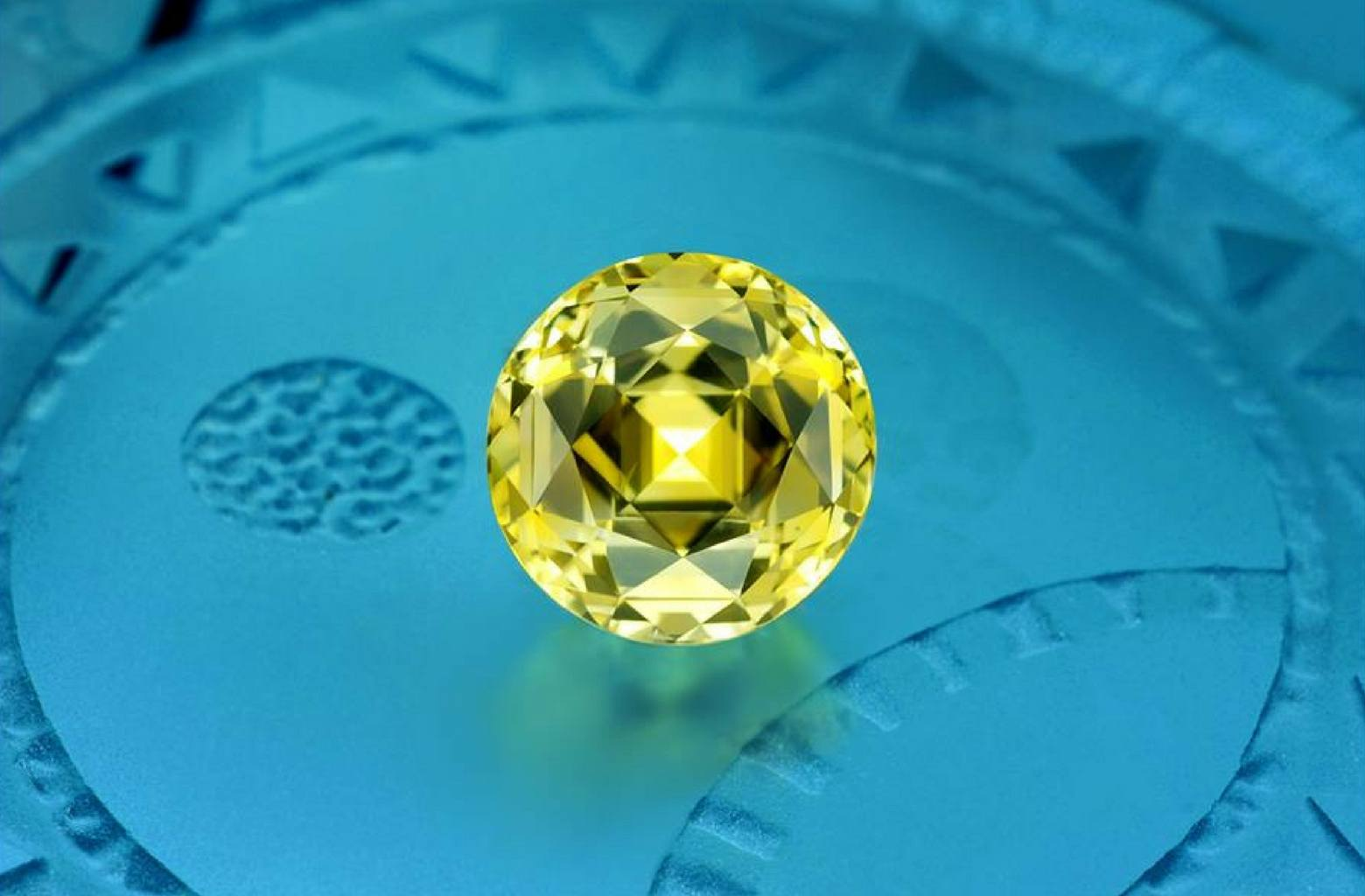 16 carats unheated Pastel Yellow Sapphire from Sri Lanka