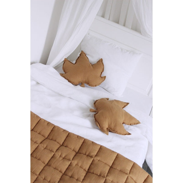 PILLOW MAPLE LEAF CARAMEL