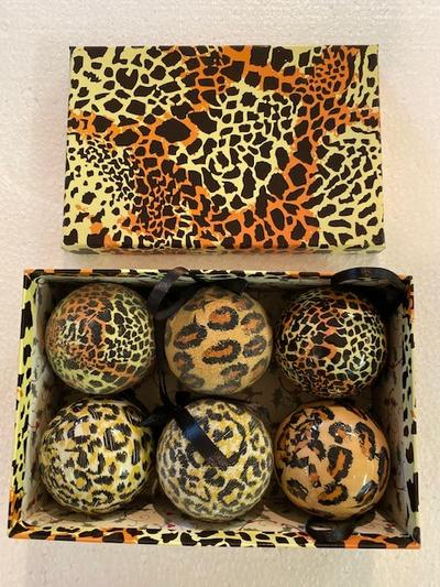 SET OF 6 - BROWN/CREAM AFRICAN BAUBLES