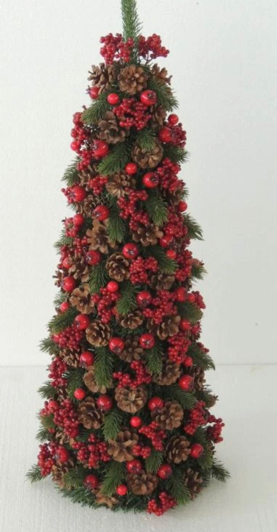 RED/GREEN BERRY CONE TREE