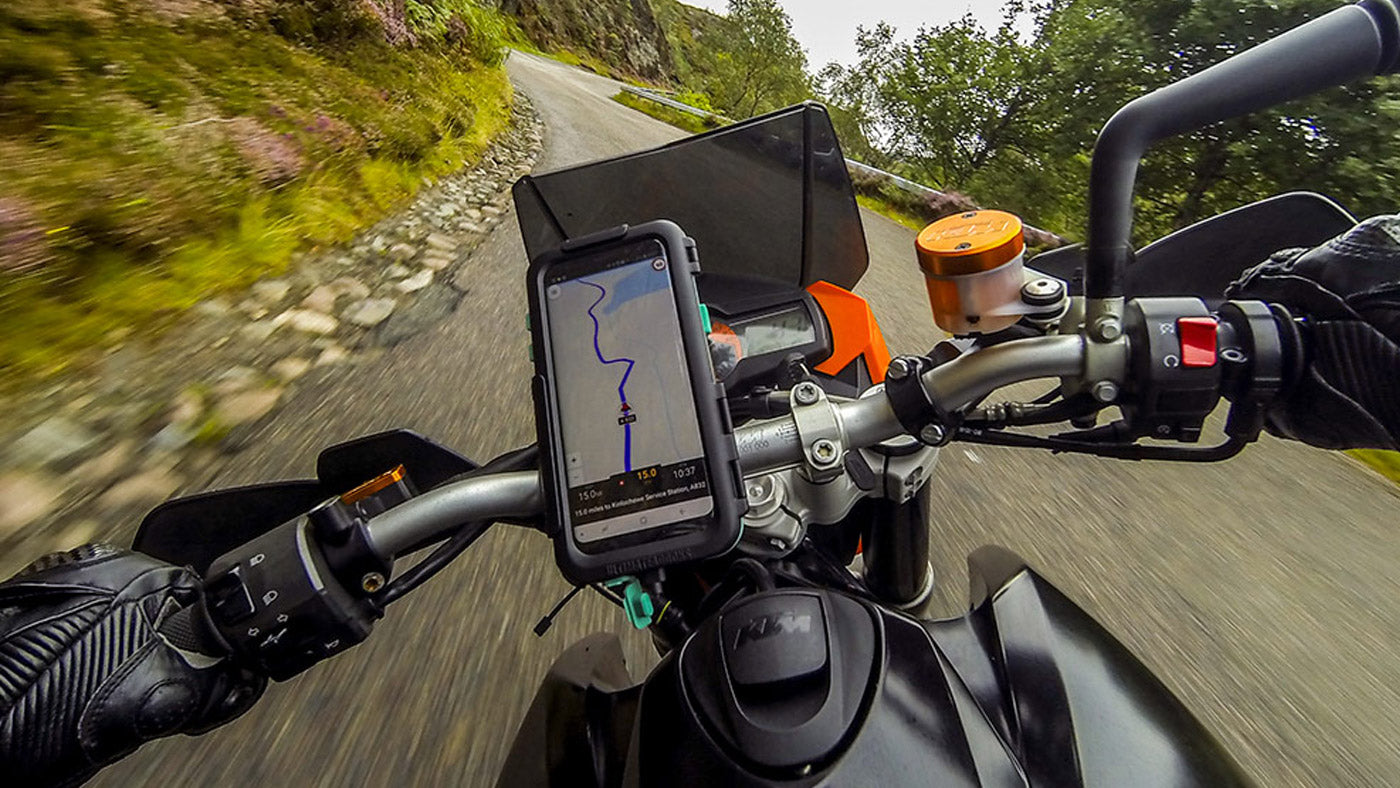 Waze motorcycle GPS mounted using Ultimateaddons Tough Galaxy S8 Mount Case