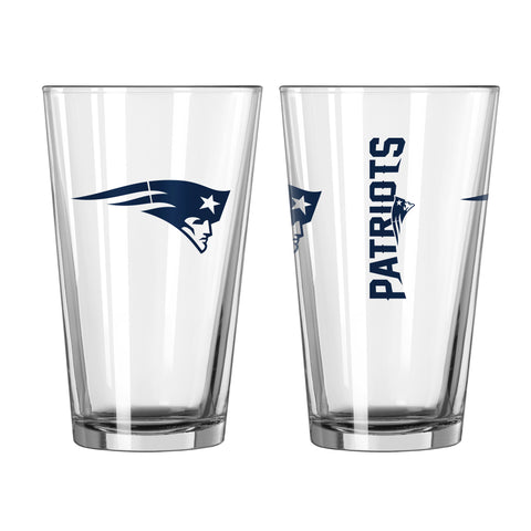 New England Patriots 2pc. Gameday Pint Glass Gift Set