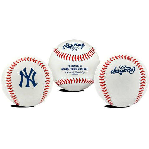 New York Yankees Baseball with Clamshell