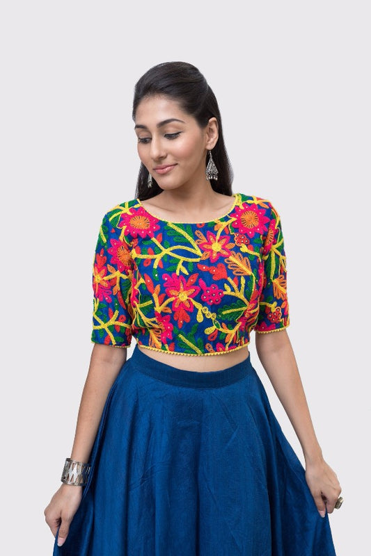Runyi Floral Embroidered Half-Sleeve Crop Top