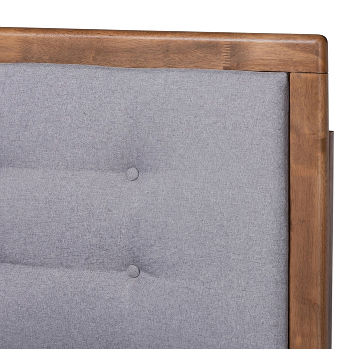 Livinia Transitional Wood Platform Bed