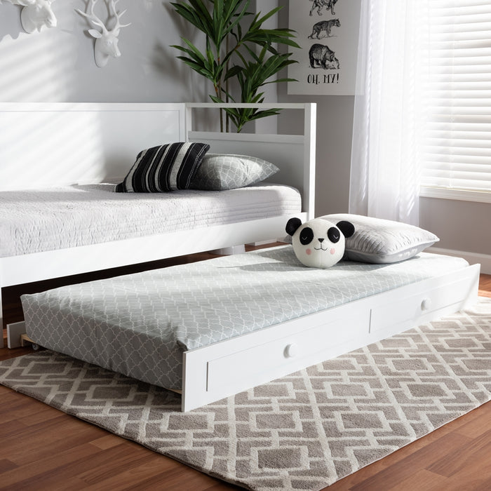 Cintia Traditional Wood Trundle