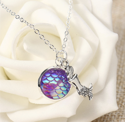 Holographic Mermaid Necklace