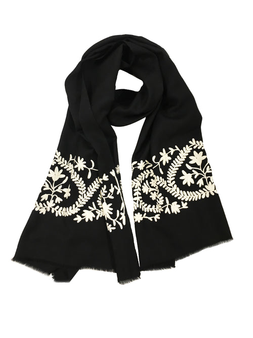 GARLAND WRAP (BLACK/ CREAM)