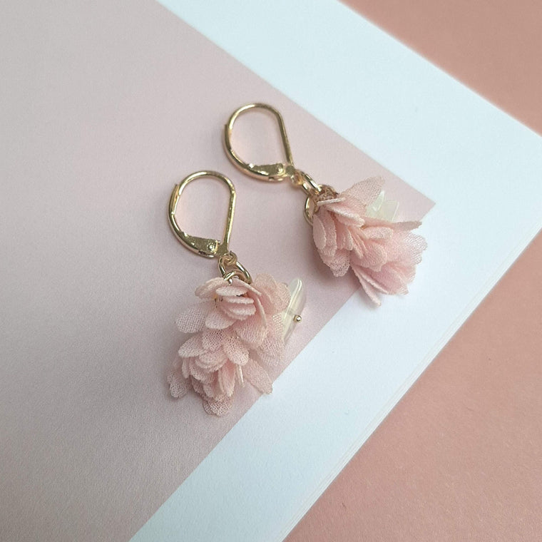 #StayGoldTogether (earrings only) roze bloem