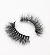 "Load image into Gallery viewer, ""DOLLS"" 3D Mink Lashes ByStefany.Com"