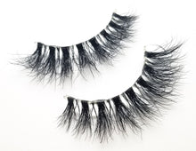 "Load image into Gallery viewer, ""SOPHIA"" 3D Mink Lashes Invisible Band ByStefany.Com"