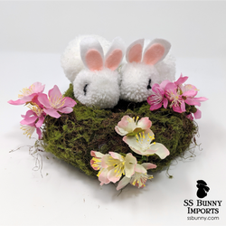 Black-eyed white pom pom bunny wreath - 8""