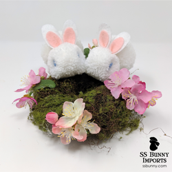 Blue-eyed white pom pom bunny wreath - 8""