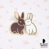 Kissing hares hard enamel pin - brown, white