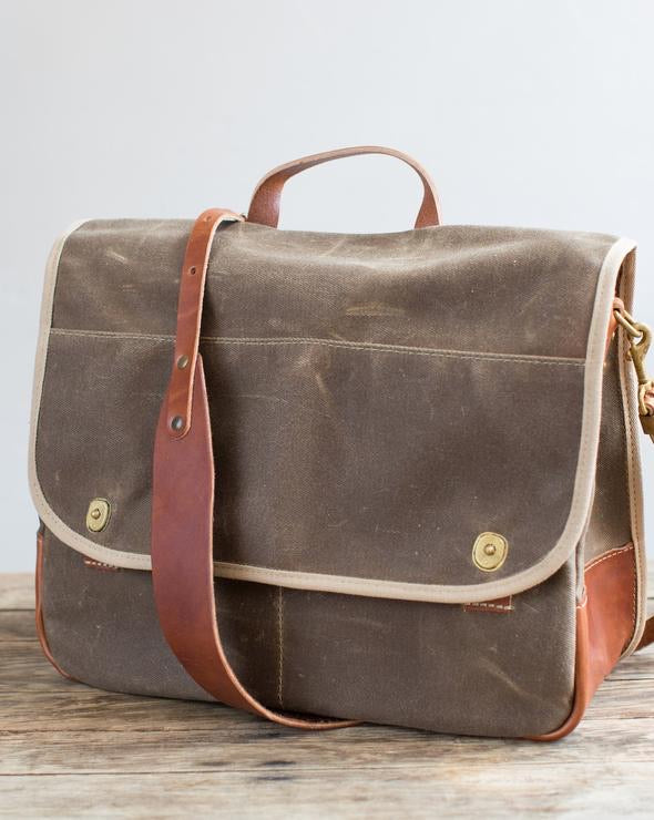 No. 705 Messenger Laptop Bag