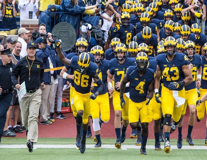 With Karan Higdon, Chris Evans back, Michigan RBs could be a weapon in 2018