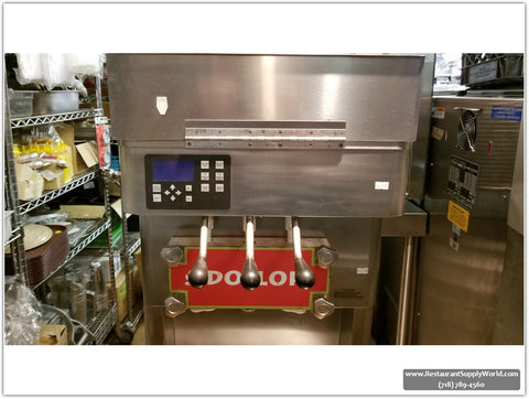 Stoelting F231 Frozen Ice Cream/Frozen Yogurt machine, 2Flavor/Twist, USED