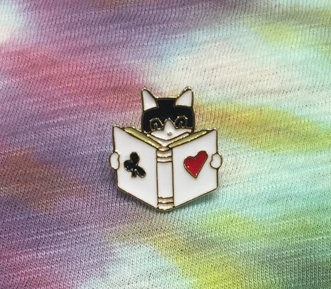 POKER CAT PIN