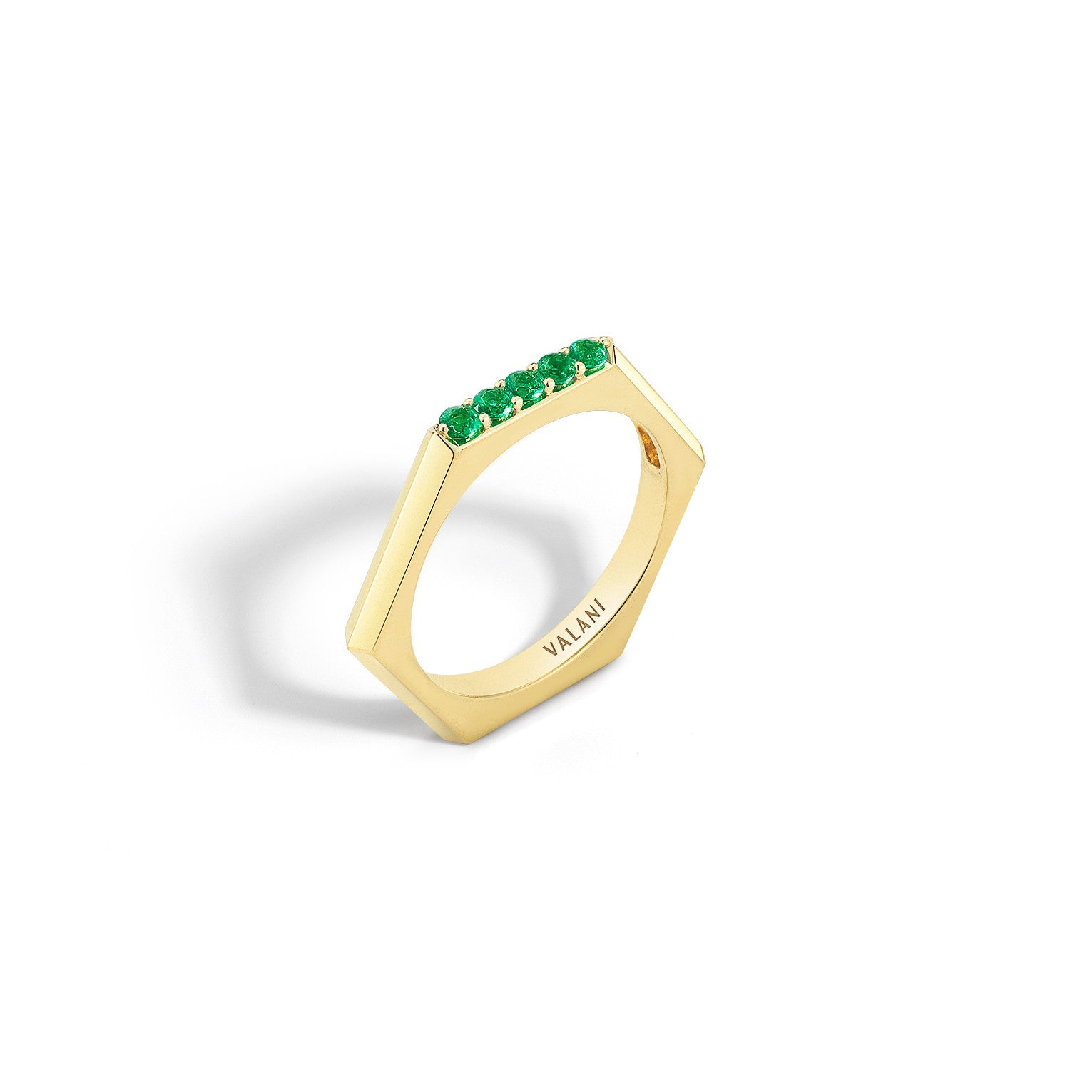 accents gold white and ring with emerald diamond