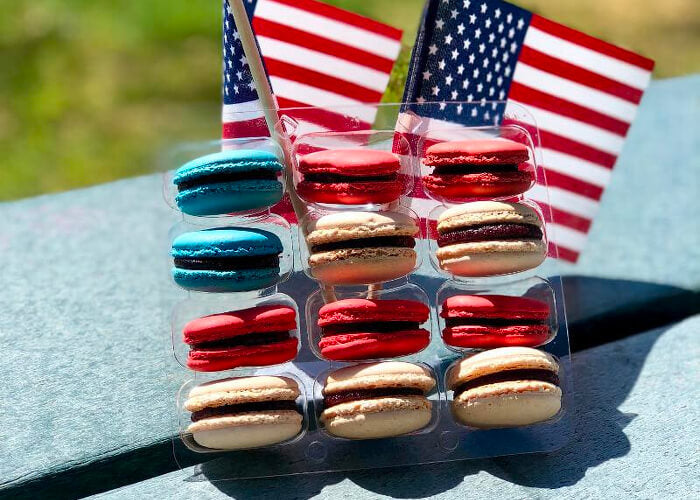 July 4th Macarons