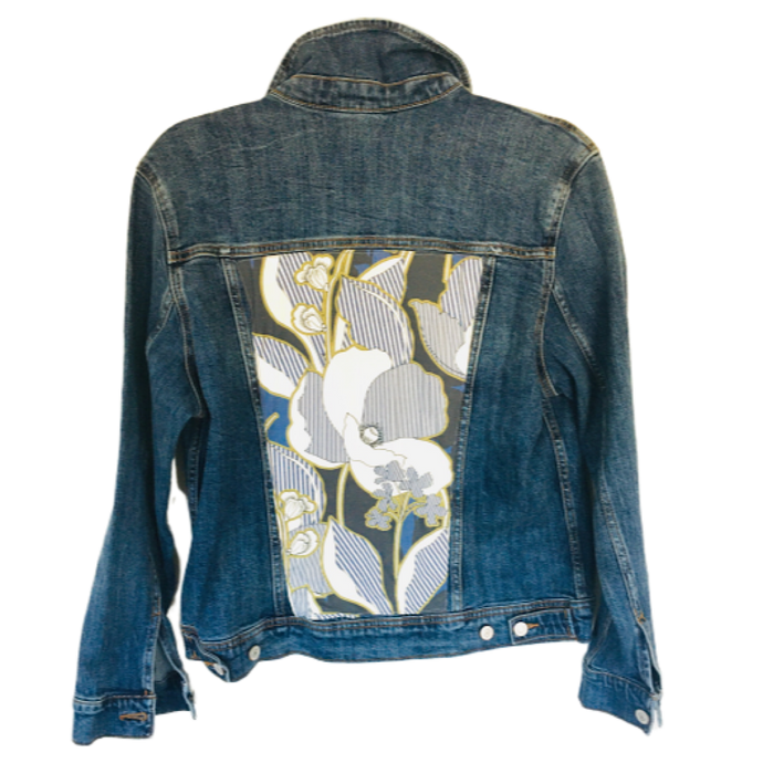 BLUE DENIM JACKET WITH BLUE WHITE MULTI COTTON FLORAL PRINT - Size Large