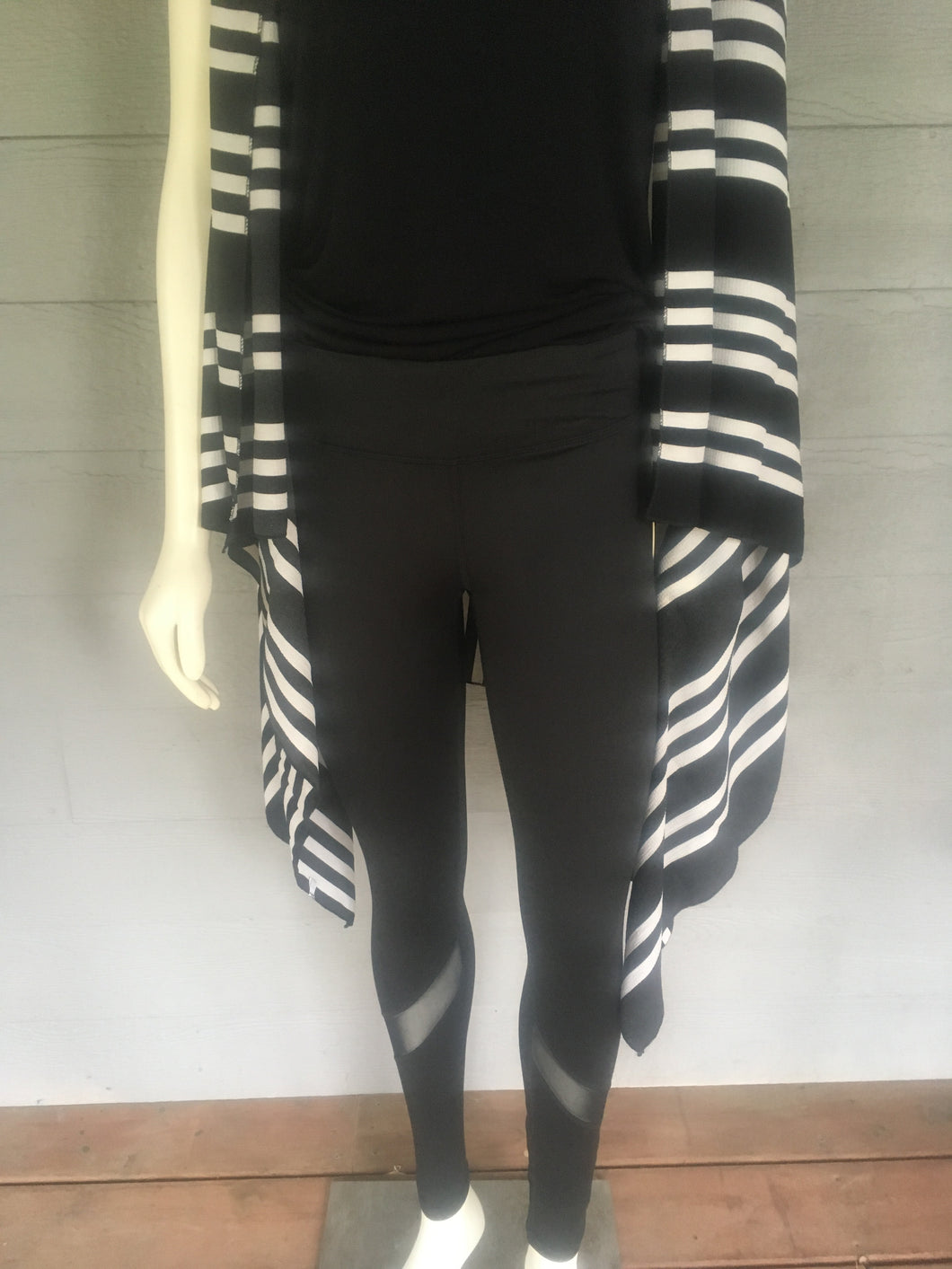 Contrast Mesh Athletic Leggings - Ruthie's Rack