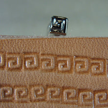 O30 Small Greek Key Border