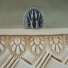 Lined Paw Print Border