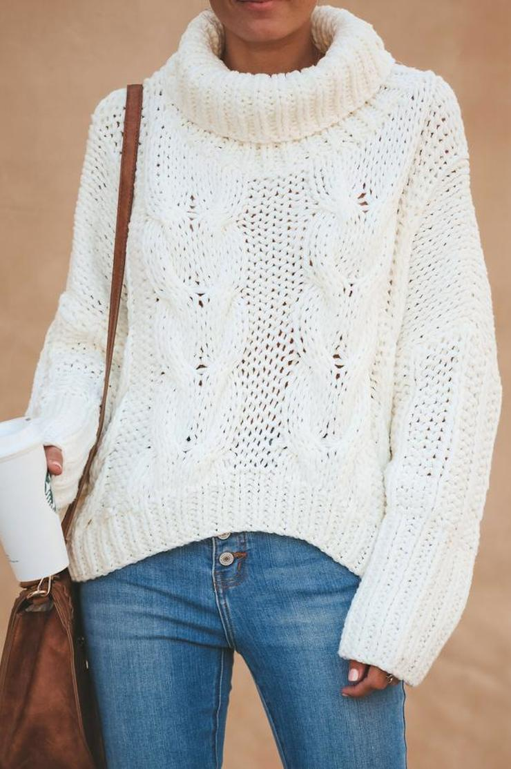 Classic & Cozy Turtleneck Sweater (Cream)