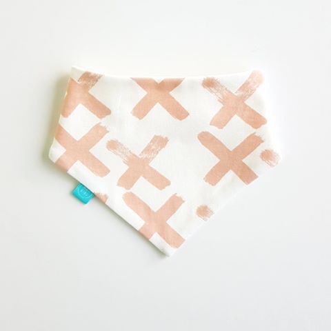 Brushed X Bandana Bib | Soft Pink