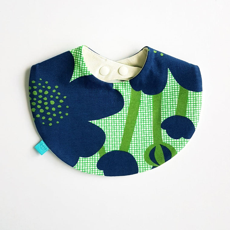 Flora Round Bib | Blueberry