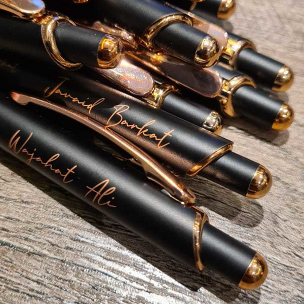 Messy Gold Pen - add your name / Nikkah date