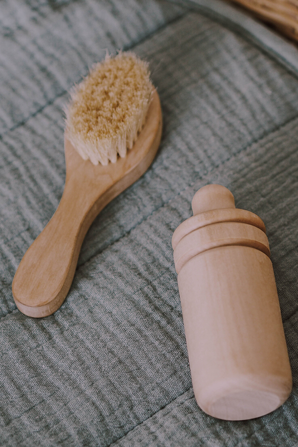 Olli Ella Dinkum Doll Bottle Pine Wood Drink Brush Set
